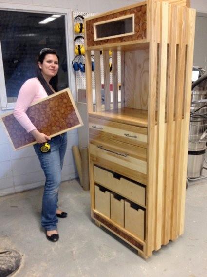 Expositions de meubles con us par de futurs designers for Meuble bigras laval ouest
