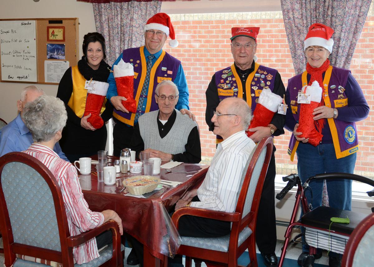 Décacer et les Lions jouent au père Noël - Info Dimanche