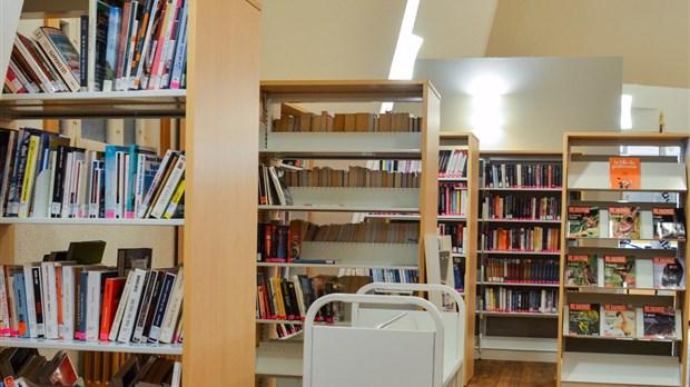 une nouvelle biblioth que l glise de saint elz ar. Black Bedroom Furniture Sets. Home Design Ideas