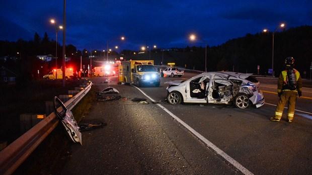 Accident impliquant un autobus et une voiture | infodimanche com